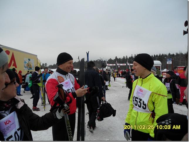 Peter och Johan Badenfelt diskuterar valla